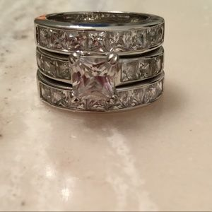 Women's set of 3 cz rings